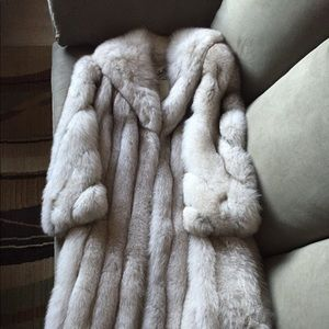 Other - Ladies Size 6 Full Length Silver Fox Fur coat